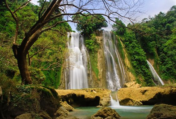 Curug Cikaso | Indonesia | Travelbasic.blogspot.com