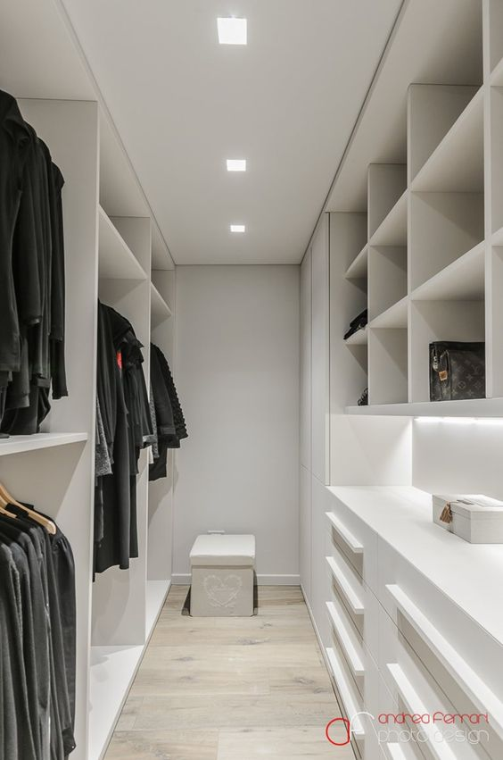 schrank dressing and begehbarer kleiderschrank on pinterest. Black Bedroom Furniture Sets. Home Design Ideas
