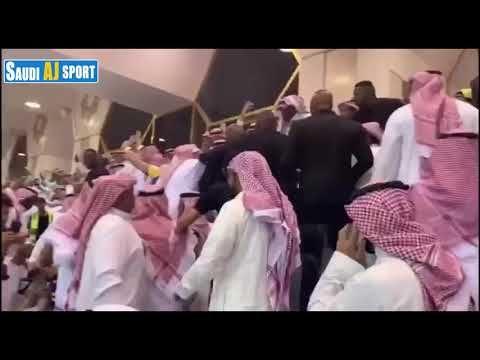 فرحة رئيس النصر سعود آل سويلم و فيصل بن تركي بتتويج النصر بطل الدوري الس Attributes
