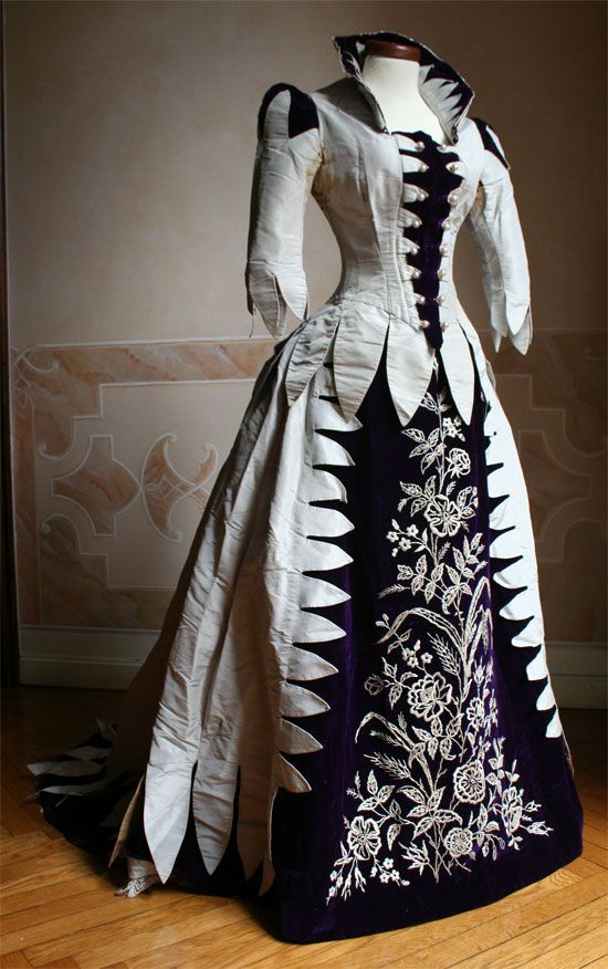 Two-piece dress in pearl gray taffeta and silk velvet violets 1888