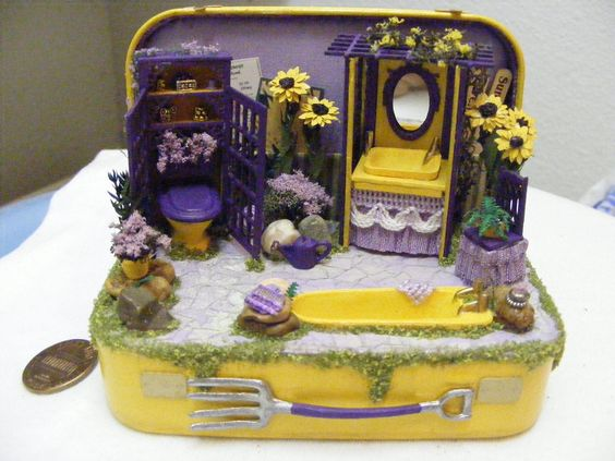 """""""Sunbathing"""" made in an Altoids tin. 1/4"""" scale. By Donna Post"""