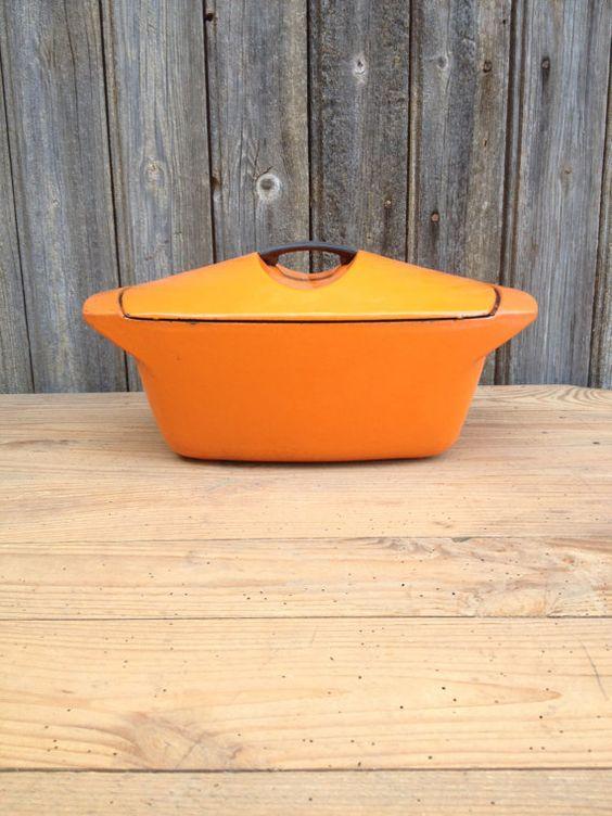 Cocotte le creuset modèle Coquelle orange par VINTAGEorangeBAZAR