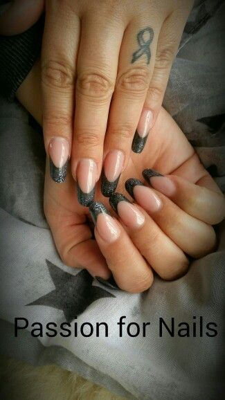 Nails acryl grey