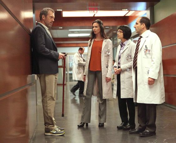 Pin for Later: 11 Shows to Stream on Netflix to Ease the Symptoms of Your Grey's Anatomy Withdrawal House