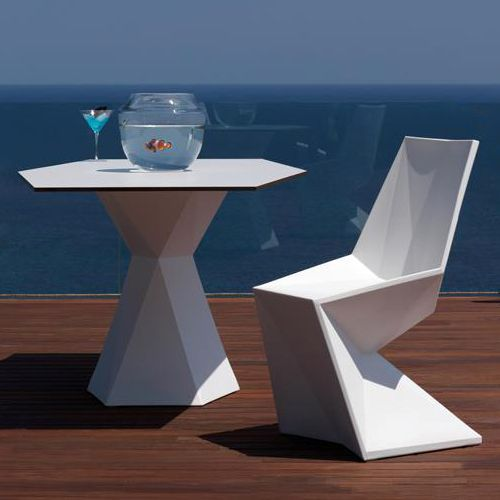 Contemporary Indoor Outdoor Furniture By Vondom Vertex Luxury Outdoor Furniture Outdoor Living Furniture Indoor Outdoor Furniture
