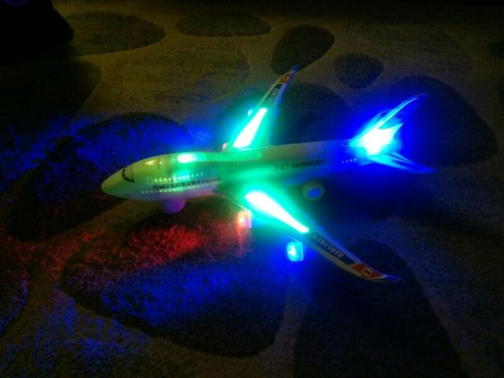 747 plane lights sounds action
