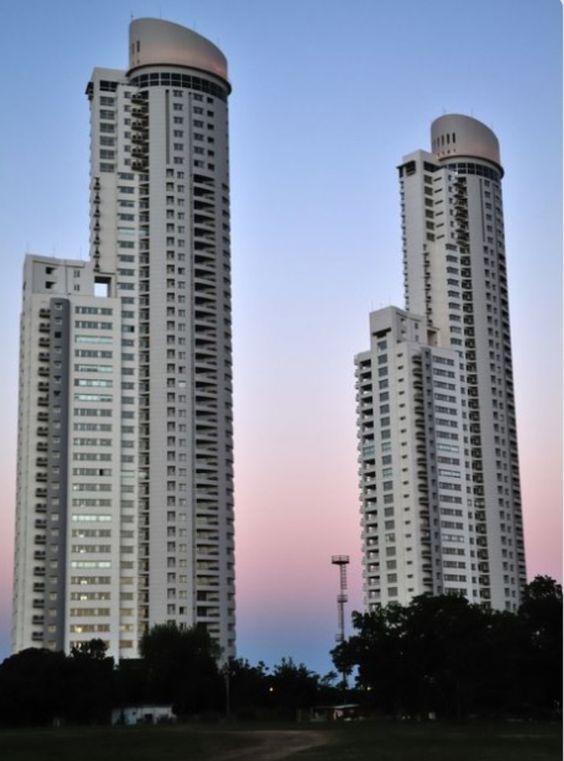 Yo ví unas rascacielos en Argentina.