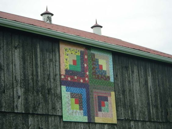 Barn Quilts and the American Quilt Trail Log Cabin pattern:
