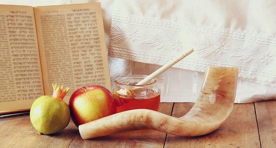 ¿Qué se celebra en Rosh Hashaná?
