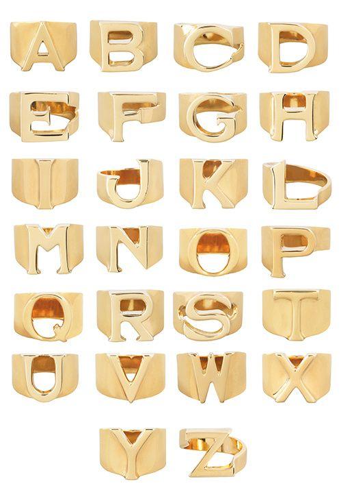 Les bagues alphabet de Chloé en or http://www.vogue.fr/joaillerie/le-bijou-du-jour/diaporama/les-bagues-alphabet-de-chlo/21678#les-bagues-alphabet-de-chlo