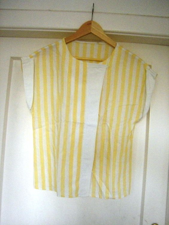 gelb-weiß gestreifte Bluse