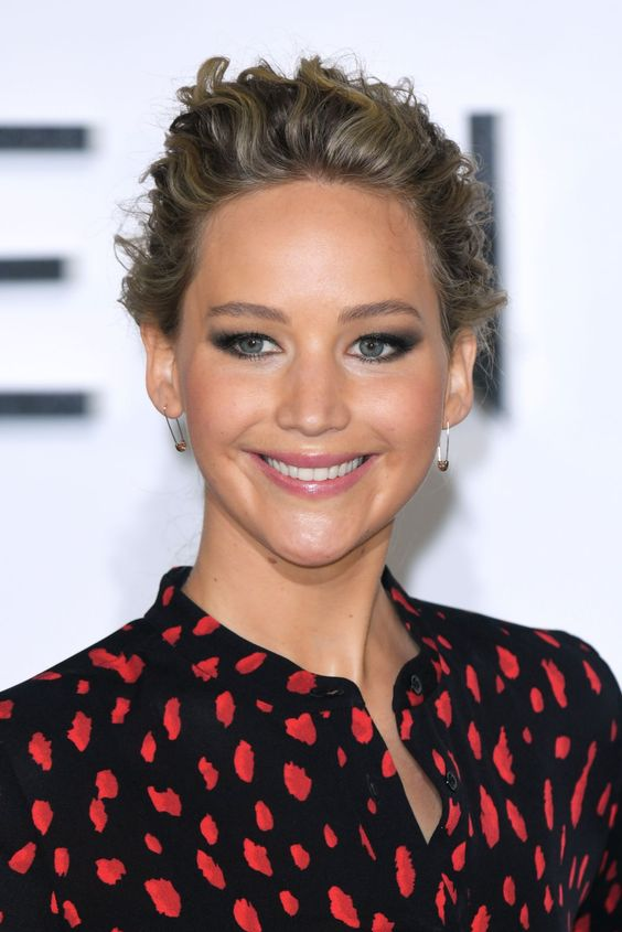 JENNIFER LAWRENCE at Passengers Photocall in London 12/01/2016