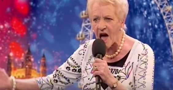 Simon Cowell Snickers When An 80-Year-Old Steps On His Stage, But Regrets Everything Once She Sings! - http://eradaily.com/simon-cowell-snickers-80-year-old-steps-stage-regrets-everything-sings/