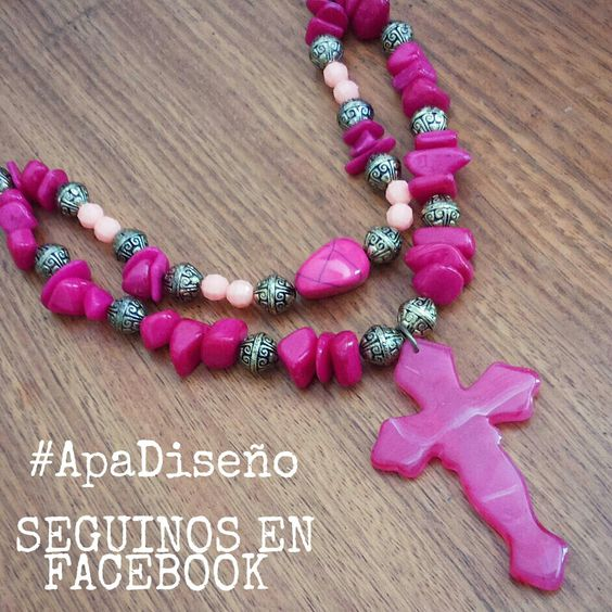 Collar Apa Diseño Accesorios cruz piedras Stones fucsia handmade hecho a mano en uruguay