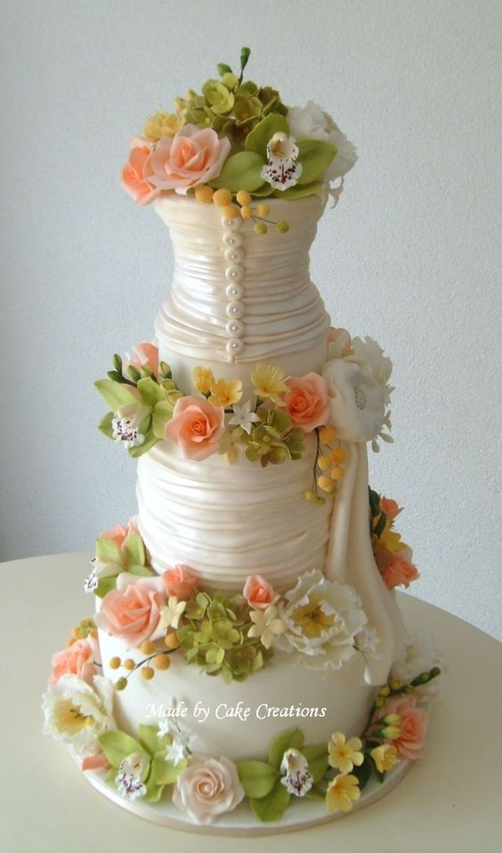 Floral cake--looks like a bustier wedding dress to me--it's beautiful!