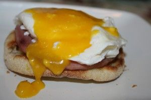 Learn how to make an easy Hollandaise Sauce for Easy Eggs Benedict!