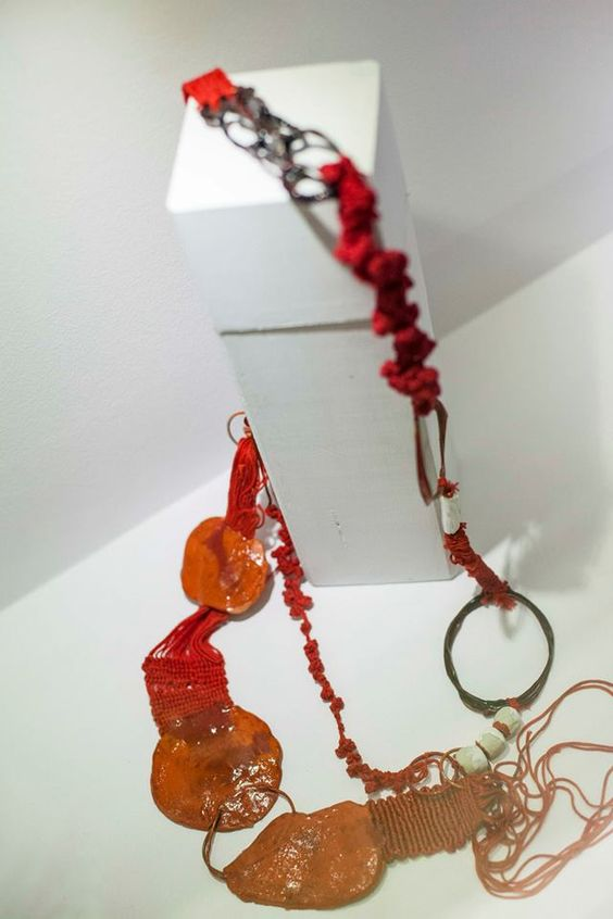 Dora Haralambaki,  « Crete » – Paper pulp, macramé, weaving, silk threads, acrylic, porcelain: