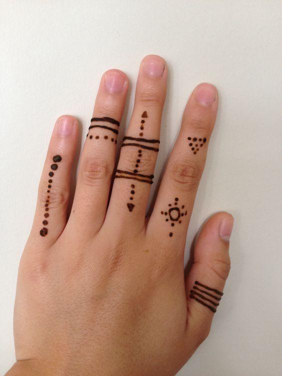 Mehndi On Fingers Simple : Henn� doigts and design on pinterest
