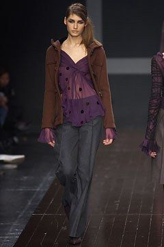 Alberta Ferretti Fall 2002 Ready-to-Wear Collection Photos - Vogue