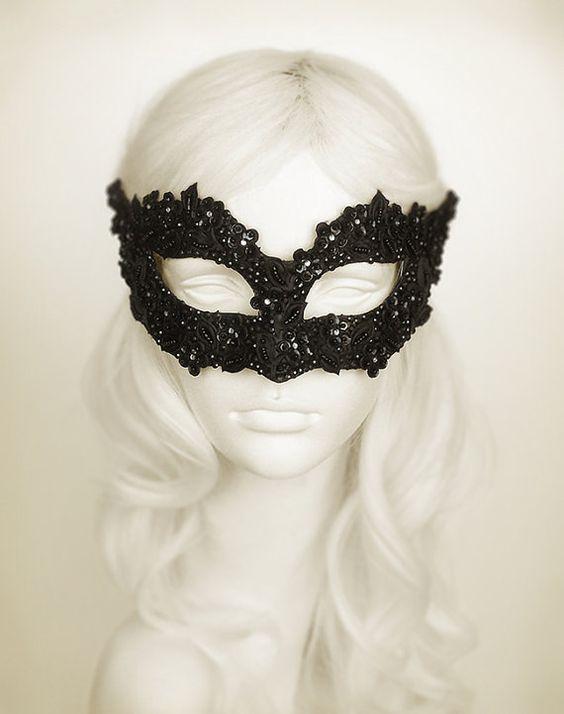 Sequined Black Masquerade Mask With Rhinestones And por SOFFITTA