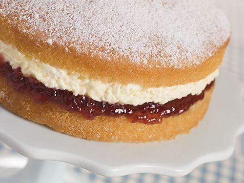 Bizcocho relleno de nata y mermelada de fresa te ense amos - Como hacer nata para cocinar ...