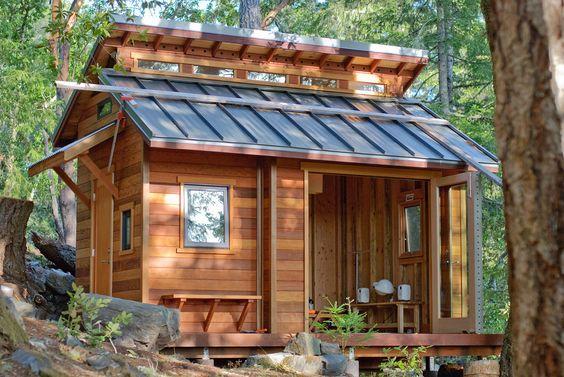 Au top cette petite maison avec le banc intégré.