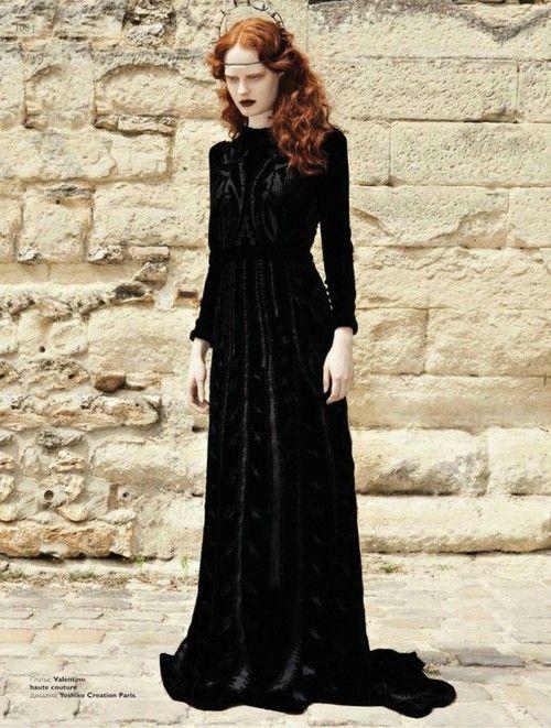Long black velvet dress. celtic  Black // Velvet // Lace ...