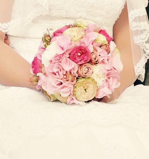 Mein Brautstrauß- Hortensie- Rosen- Nelken-pink Rosa