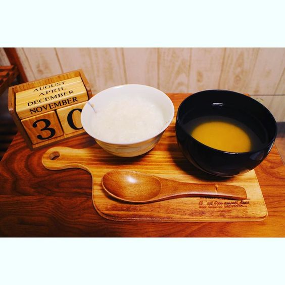 おかゆ 具なし味噌汁