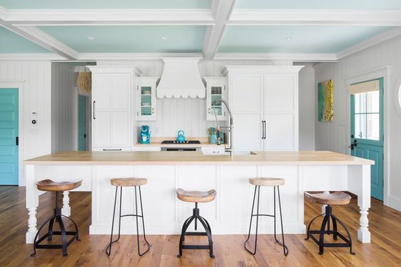 Turquoise and white beach cottage kitchen gmt home for Gmt home designs