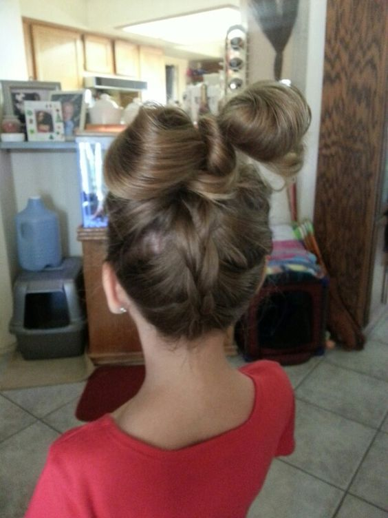 Bow ponytail with braid