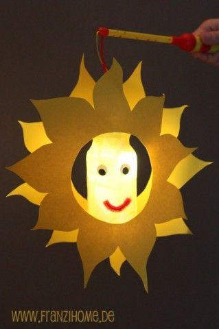 Budget knutseltip van Speelgoedbank Amsterdam voor ouders en kinderen. Lekker samen een lampion knutselen en dan op 11-11 zingend langs de deuren.