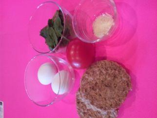 Easy Breakfast or Post Workout Egg Sandwich  www.LauraLondonFitness.com