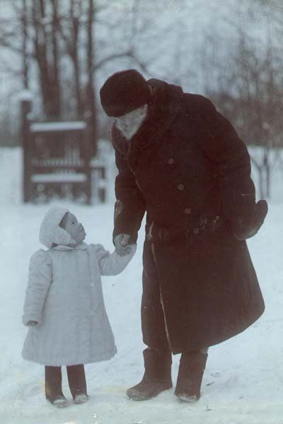 Leo Tolstoy with his granddaughter: