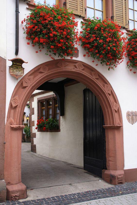 St. Martin, Maikammererstraße, Weingut Altes Schlösschen (Winery Altes Schlösschen) | by HEN-Magonza