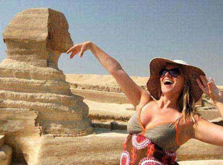 Auf dieser individuellen 8-tägigen Privatreise inklusive Nilkreuzfahrt können Sie in Ruhe die Vergangenheit Ägyptens entdecken. Sollte es Ihr Budget zulassen, so können Sie statt dem Nachtzug auch Inlandsflüge wählen.