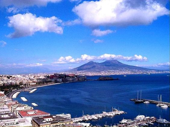 Beautiful Napoli (Naples) - Italy...best pizza hands down