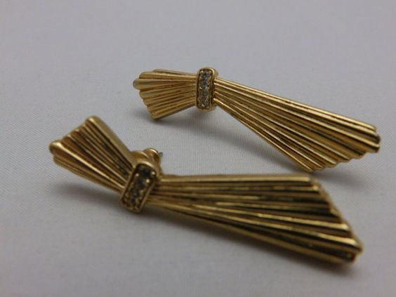 Vintage Crown Trifari Gold Tone and Rhiestone by TheJewelryCabinet, $14.50