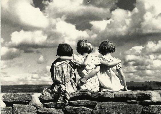 El filósofo griego notó que existen tres tipos de amistad, pero aquella que no se basa en el placer ni en la utilidad es la forma superior. Busto de A...