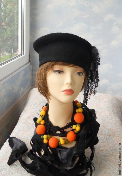 """Шляпы ручной работы. Ярмарка Мастеров - ручная работа. Купить Валяный комплект """"Золотое яблоко"""". Handmade. Черный, валяные шарфы"""