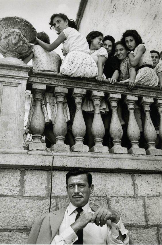 Jeanloup Sieff (1958), Yves Montand en italie