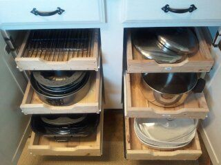 Kitchen Cabinets with DIY Drawers. tutorial.