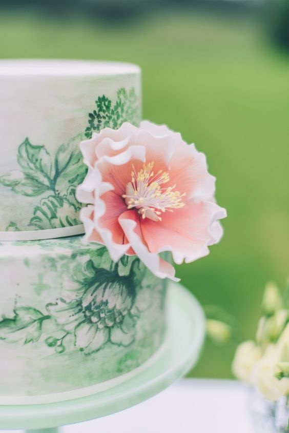 Beautiful floral cake: http://www.stylemepretty.com/2014/11/07/social-hour-13/