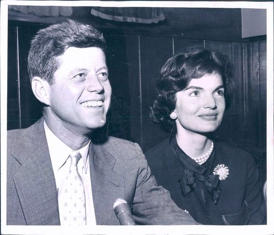 ♥ Senator and Mrs. Kennedy look towards a presidential future ♥  Given that we now know the sad and tragic end to the Kennedy presidency, their hopeful smiles are so bittersweet.