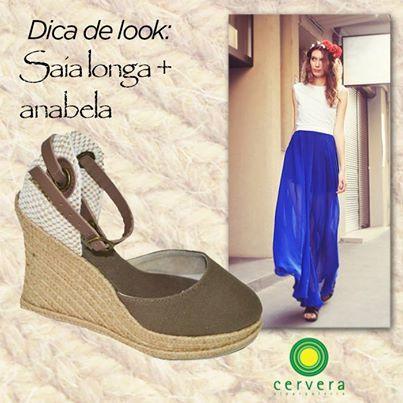 Sabe qual o calçado perfeito para usar com saia longa? Anabela! Só esse calçado te dá a altura ideal para sua saia não encostar no chão, além de dar um ar leve e estiloso ao visual!