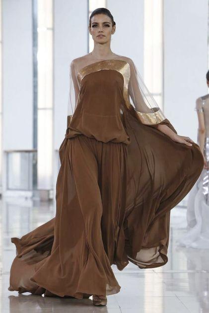 Love the open shoulder line! Stephane Rolland Couture Spring Summer 2015 Paris
