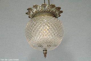 Klassieke plafonniere 26226 bij Van der Lans Antiek. Meer antieke lampen op www.lansantiek.com