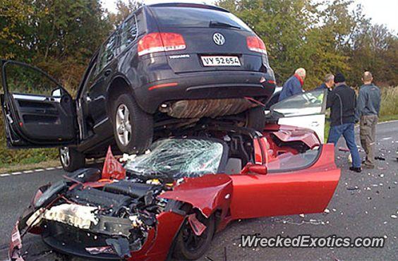 Tesla Roadster crashed in Denmark