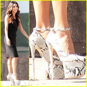 eva longoria in 7 inch heels&lt&gt MY GURLW! LMAO! gurlw u GOOD.. cuz