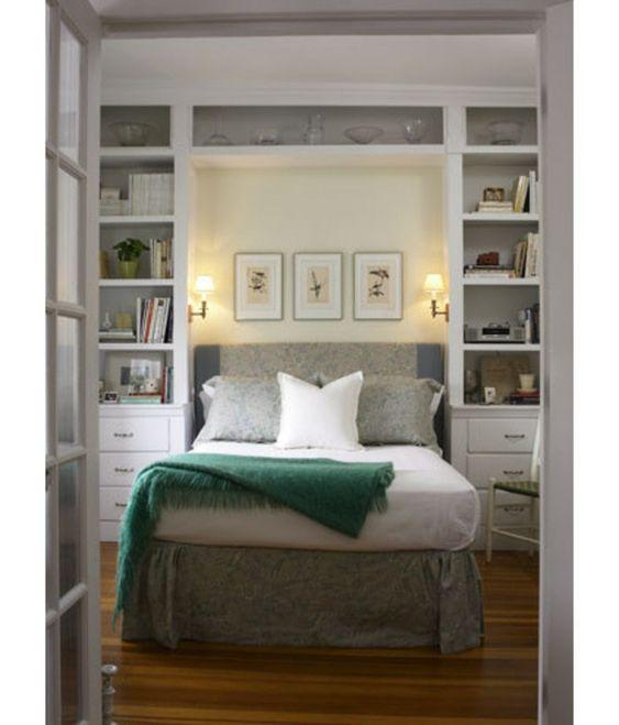 kleine Schlafzimmer größer aussehen bett traditionell regale